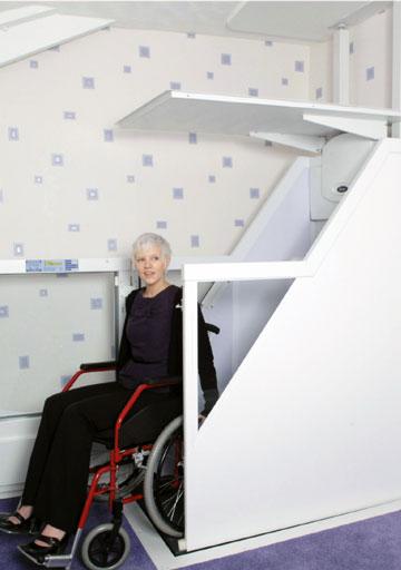 Onze huislift is ook bijzonder geschikt als rolstoellift.