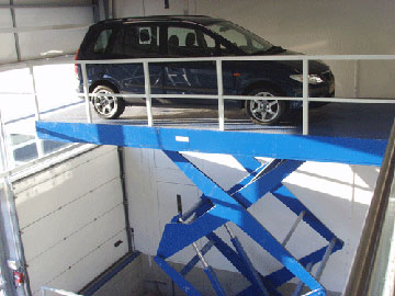 AB Liften levert niet alleen huisliften, maar ook platform-liften, open rolstoelliften, autoliften, trapliften enz.
